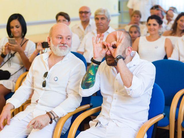Le mariage de Jean Charles et Kristian à Aigues-Mortes, Gard 20