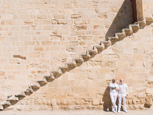 Le mariage de Jean Charles et Kristian à Aigues-Mortes, Gard 28