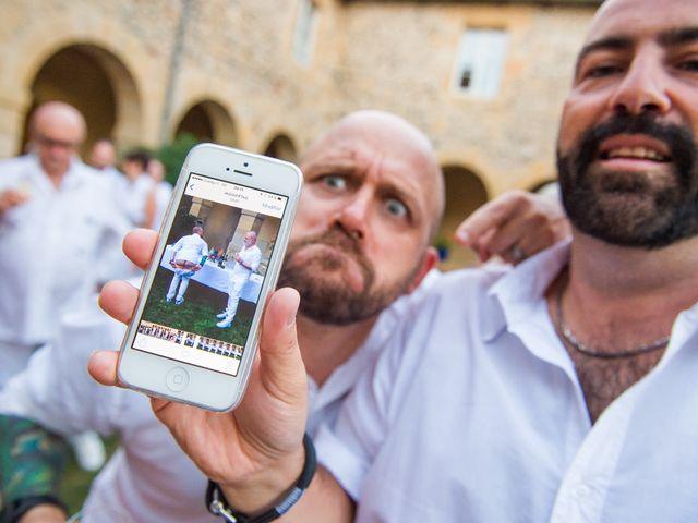 Le mariage de Jean Charles et Kristian à Aigues-Mortes, Gard 52