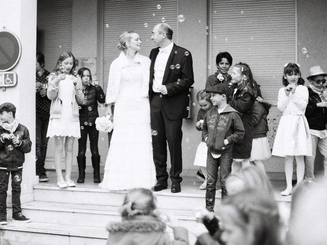 Le mariage de Thierry et Isabelle à Saint-Didier-au-Mont-d'Or, Rhône 11