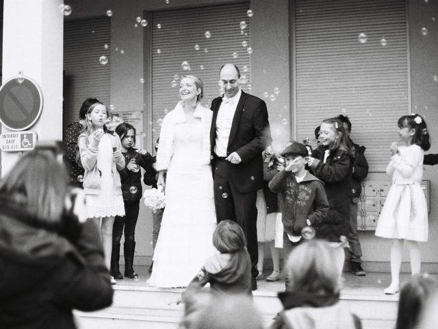 Le mariage de Thierry et Isabelle à Saint-Didier-au-Mont-d'Or, Rhône 12
