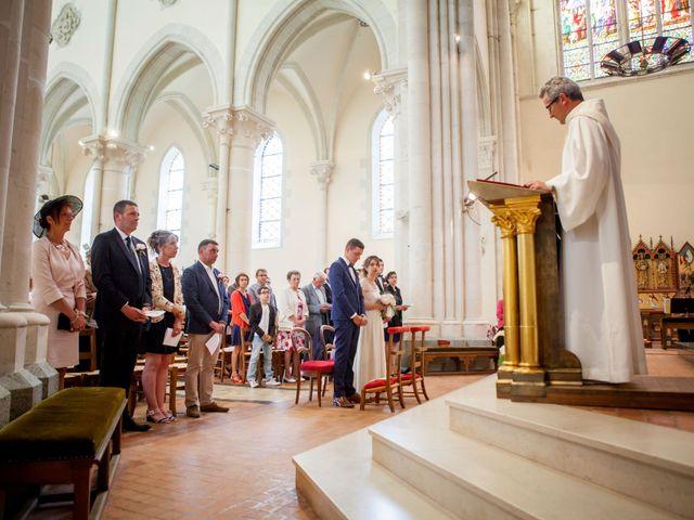 Le mariage de Alexandre et Clémentine à Bierné, Mayenne 20