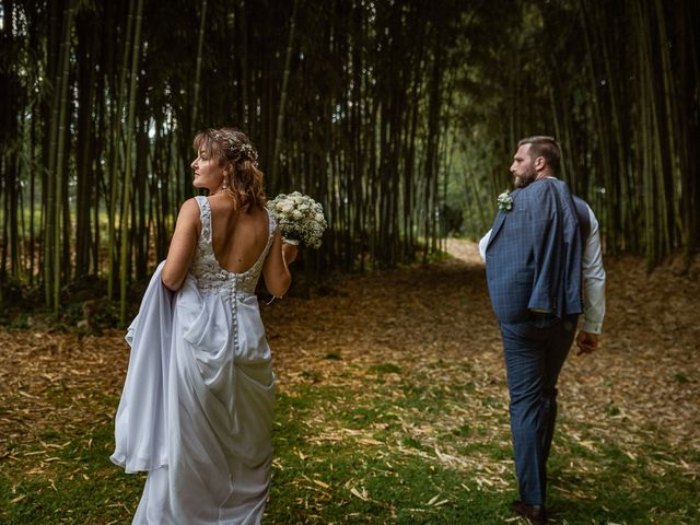 Le mariage de Loïc et Manon à Villandraut, Gironde 11