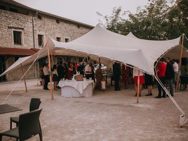 Le mariage de Florent et Marion à Vignieu, Isère 15