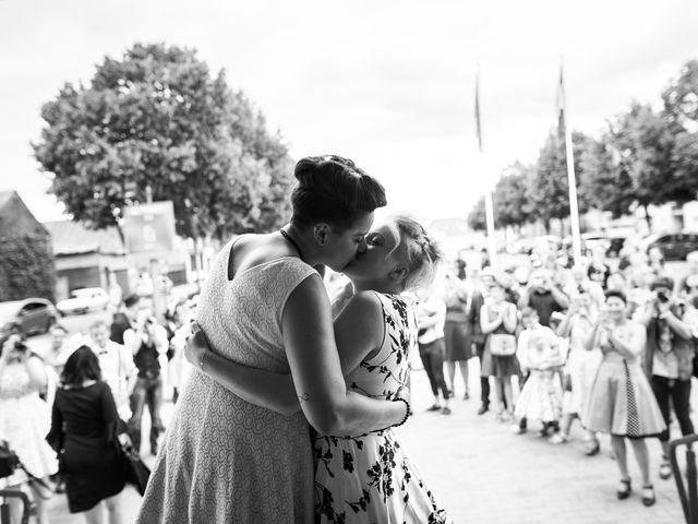 Le mariage de Hélène et Amandine à Friville-Escarbotin, Somme 25