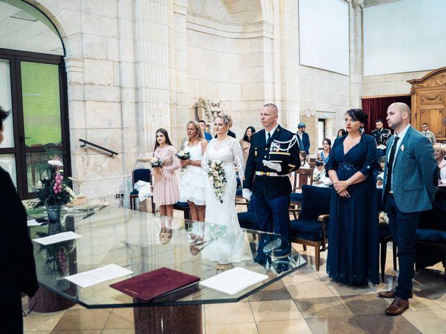 Le mariage de Julien et Angélique à Dole, Jura 18