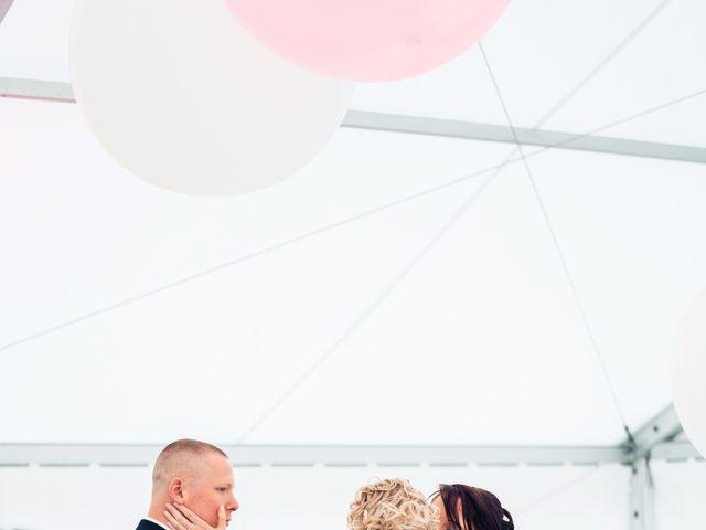 Le mariage de Julien et Angélique à Dole, Jura 32