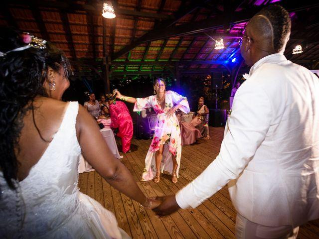 Le mariage de Steeven et Géraldine à Gros-Morne, Martinique 43
