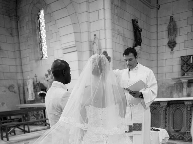 Le mariage de Mikaël et Amandine à Latillé, Vienne 6
