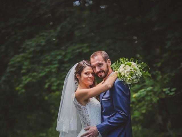 Le mariage de Stéphane et Adeline à Lons-le-Saunier, Jura 11