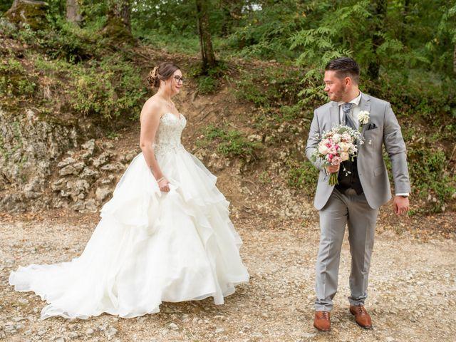 Le mariage de Valentin et Laura à Morestel, Isère 9