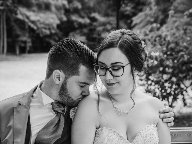 Le mariage de Valentin et Laura à Morestel, Isère 12