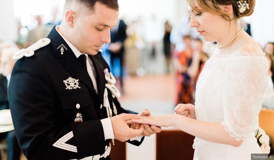 Le mariage de Lionel et Lia à Roquebrune-sur Argens, Var