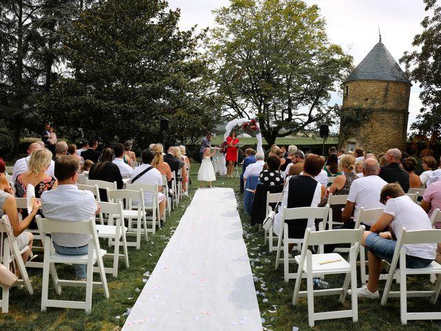 Le mariage de Marc et Rebecca à Santenay, Côte d'Or 11