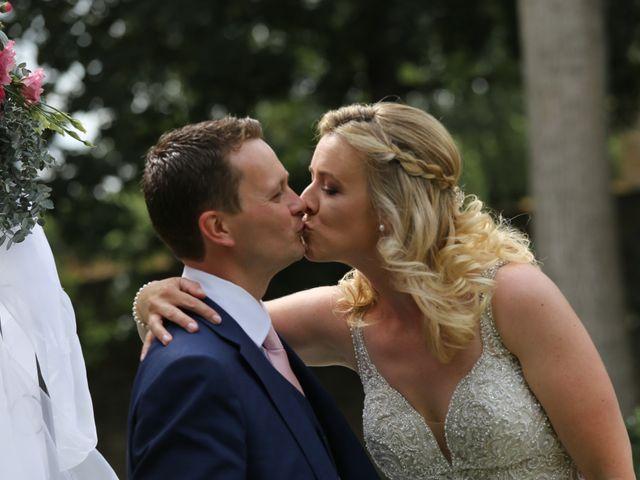 Le mariage de Marc et Rebecca à Santenay, Côte d'Or 14