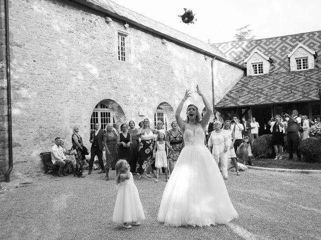 Le mariage de Marc et Rebecca à Santenay, Côte d'Or 27