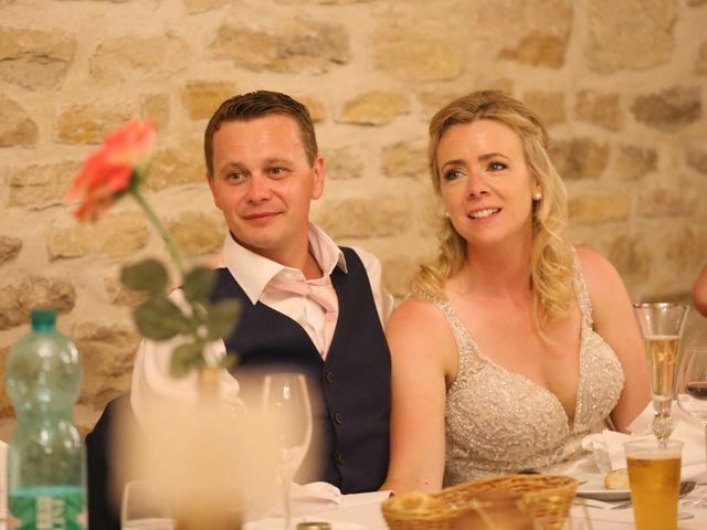 Le mariage de Marc et Rebecca à Santenay, Côte d'Or 32