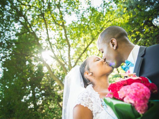 Le mariage de Mickaël et Célia à Saint-Martin-la-Plaine, Loire 11