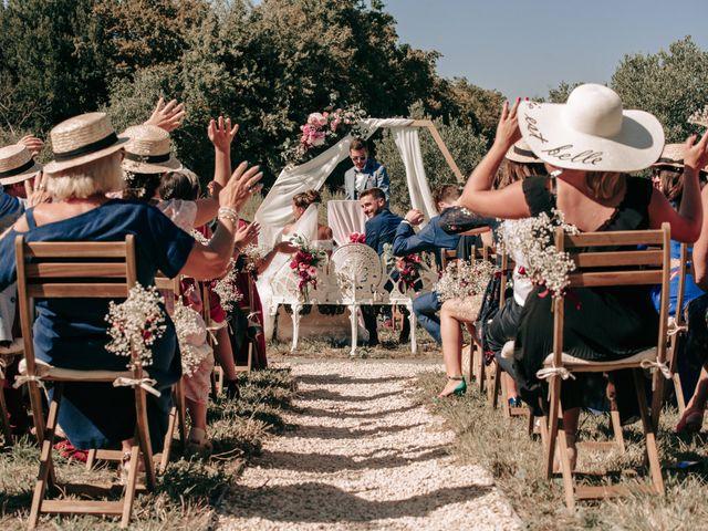Le mariage de Erwan et Kim à Lussan, Gard 45