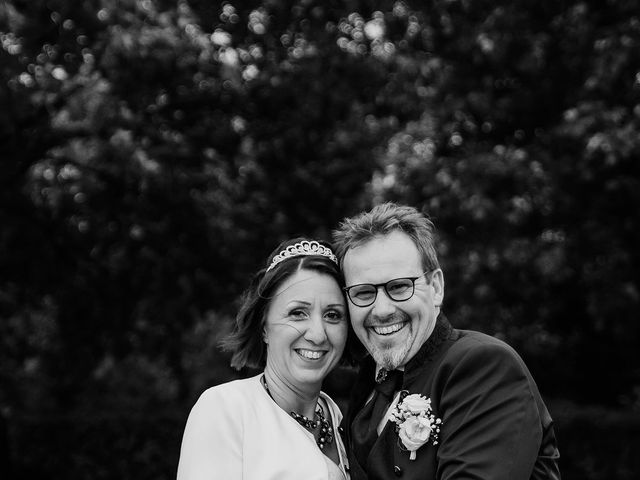 Le mariage de Mickael et Sophie à Saintes, Charente Maritime 22