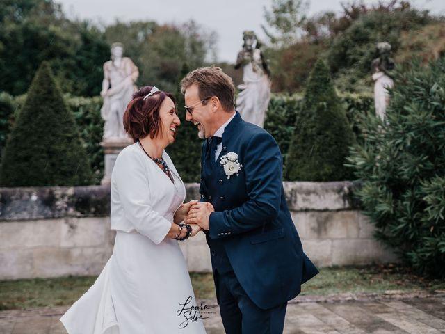Le mariage de Mickael et Sophie à Saintes, Charente Maritime 24