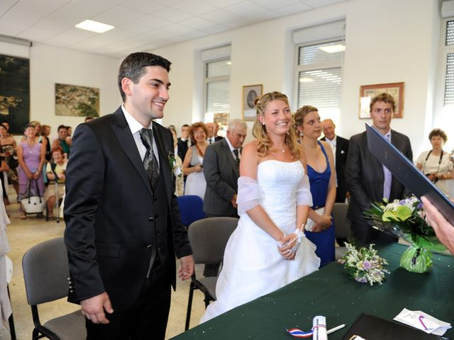 Le mariage de Thomas et Aurélie à Martillac, Gironde 16