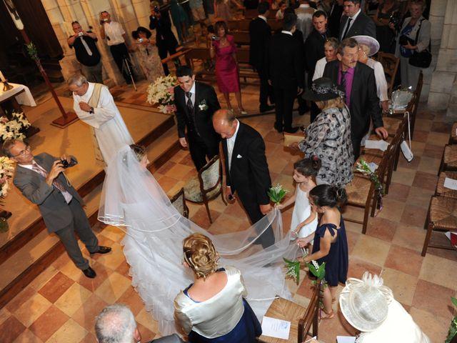 Le mariage de Thomas et Aurélie à Martillac, Gironde 23