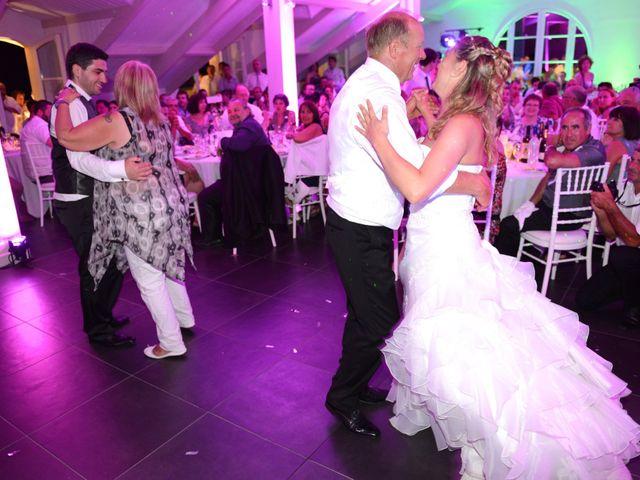 Le mariage de Thomas et Aurélie à Martillac, Gironde 39