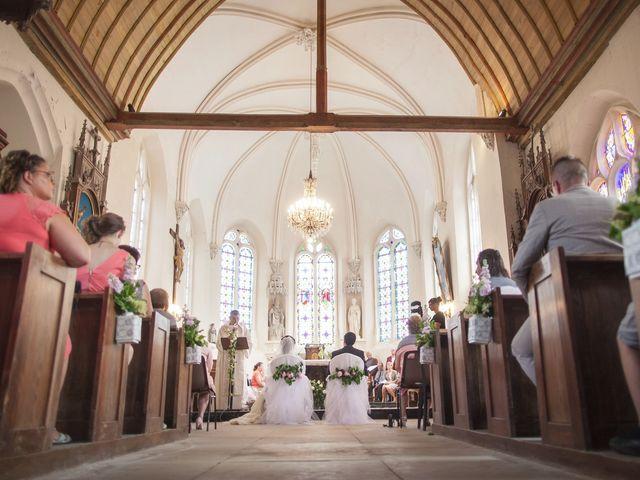 Le mariage de Romain et Laura à Hattenville, Seine-Maritime 34