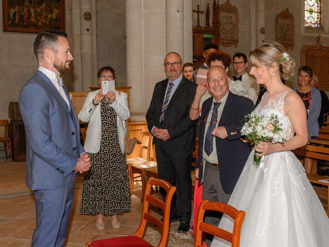 Le mariage de Bastien et Clémentine à Fleurie, Rhône 14