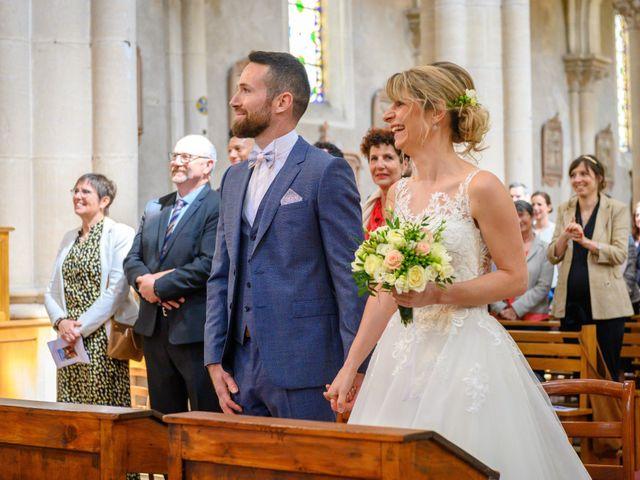 Le mariage de Bastien et Clémentine à Fleurie, Rhône 16