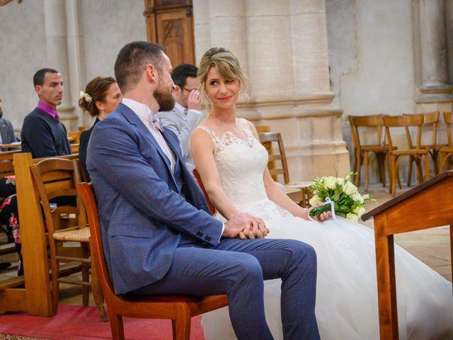 Le mariage de Bastien et Clémentine à Fleurie, Rhône 17