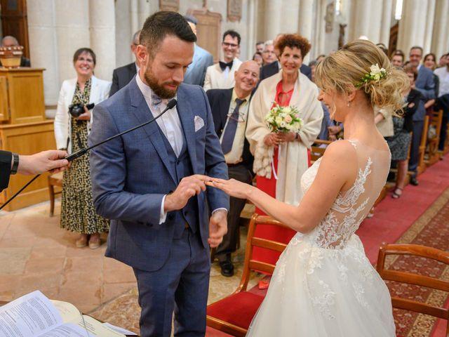 Le mariage de Bastien et Clémentine à Fleurie, Rhône 18