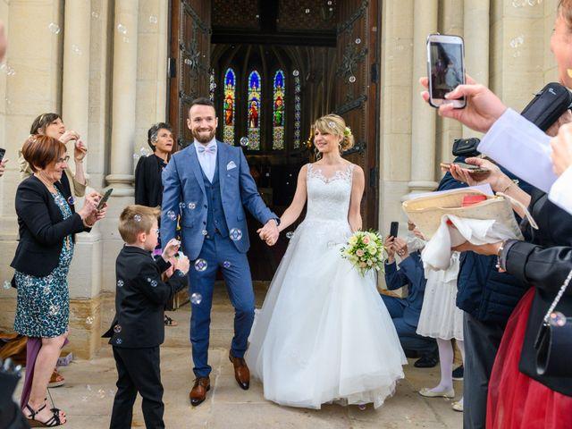 Le mariage de Bastien et Clémentine à Fleurie, Rhône 23