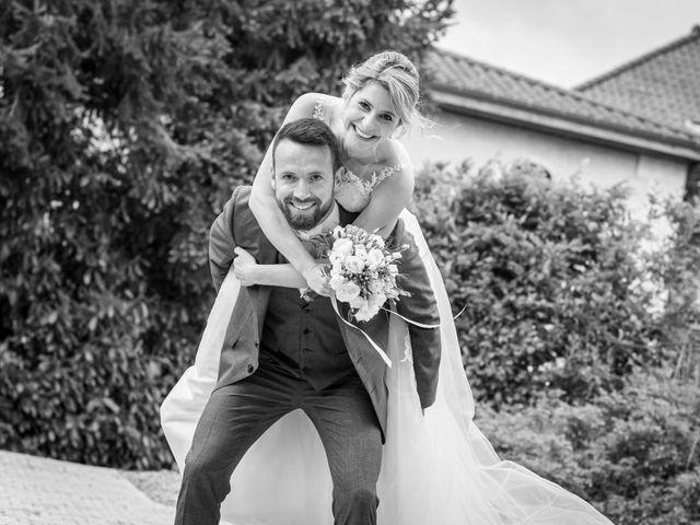 Le mariage de Bastien et Clémentine à Fleurie, Rhône 32