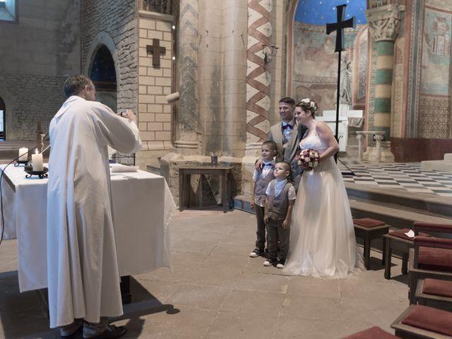 Le mariage de Loic et Camille à Anzy-le-Duc, Saône et Loire 10