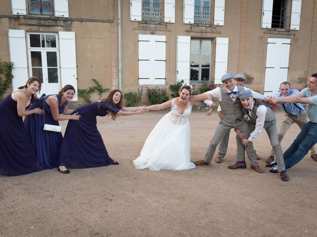 Le mariage de Loic et Camille à Anzy-le-Duc, Saône et Loire 16