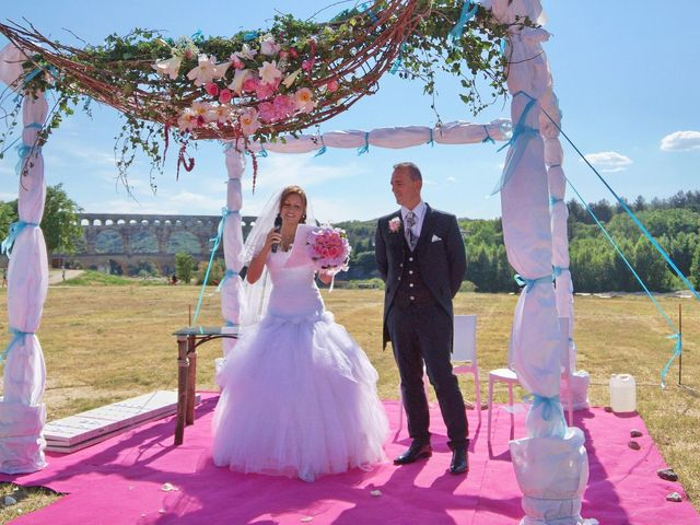 Le mariage de David et Claire à Nîmes, Gard 17