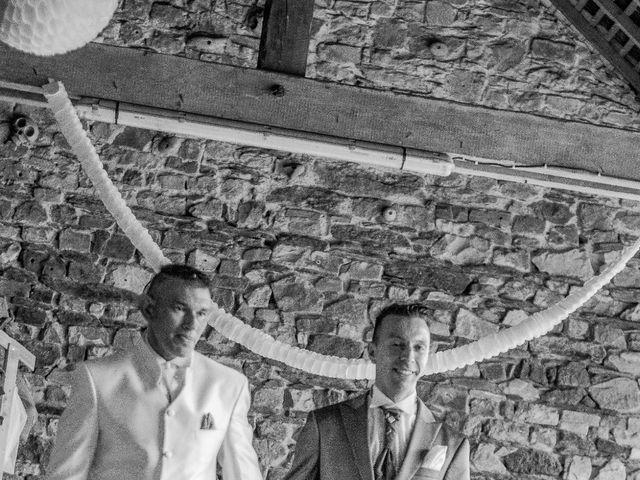 Le mariage de Jean Michel et Mickaël à Maxent, Ille et Vilaine 14