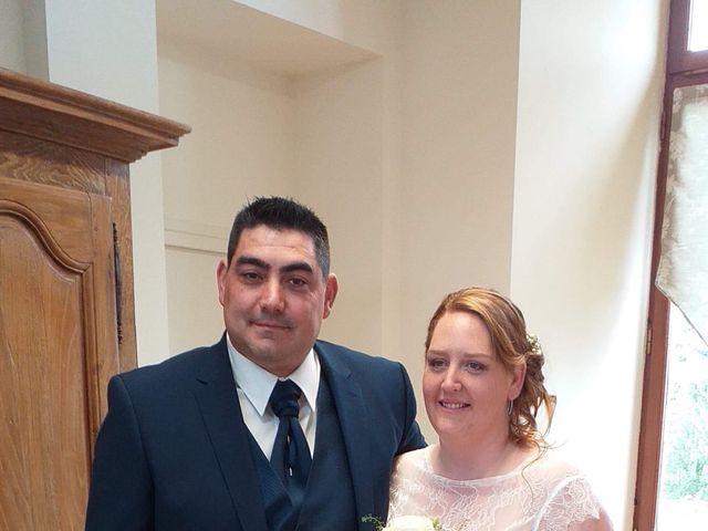 Le mariage de Johnny et Amélie  à Ambrières-les-Vallées, Mayenne 3