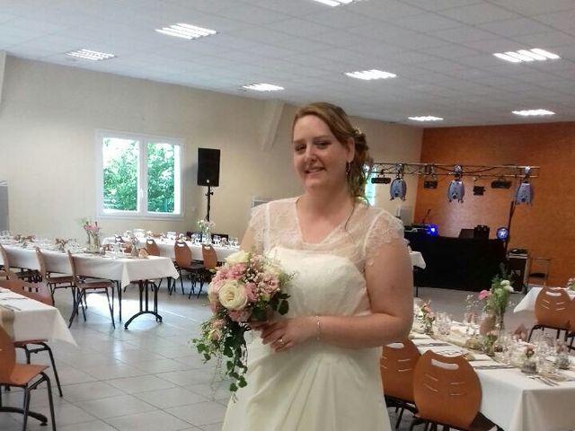 Le mariage de Johnny et Amélie  à Ambrières-les-Vallées, Mayenne 6