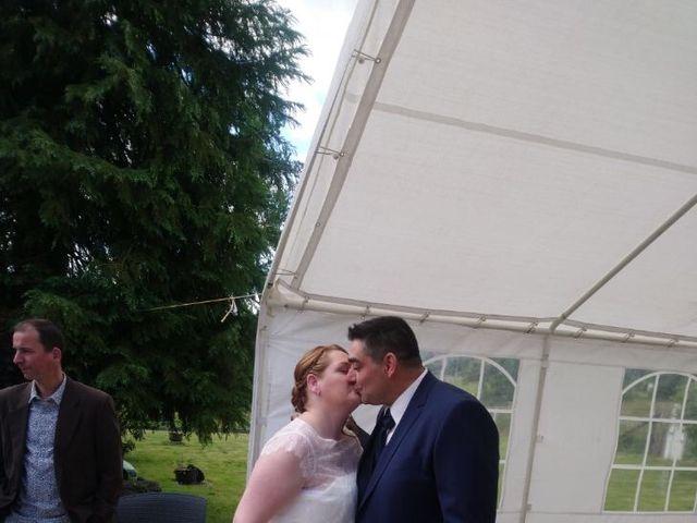 Le mariage de Johnny et Amélie  à Ambrières-les-Vallées, Mayenne 7