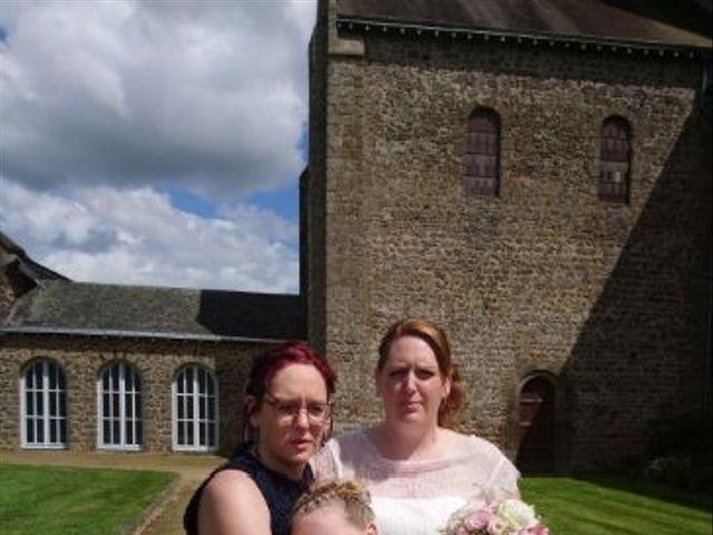 Le mariage de Johnny et Amélie  à Ambrières-les-Vallées, Mayenne 9