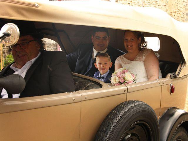 Le mariage de Johnny et Amélie  à Ambrières-les-Vallées, Mayenne 1
