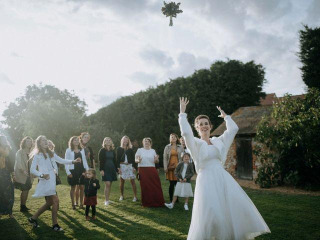 Le mariage de Fabien et Marie à Nogent-le-Roi, Eure-et-Loir 33