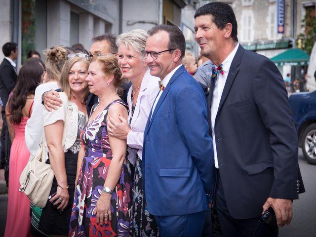 Le mariage de François et Isabelle à Mer, Loir-et-Cher 18