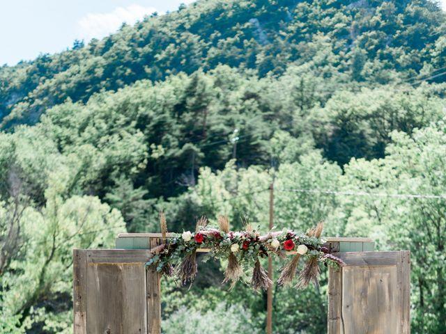 Le mariage de Antonin et Charline à Nyons, Drôme 26