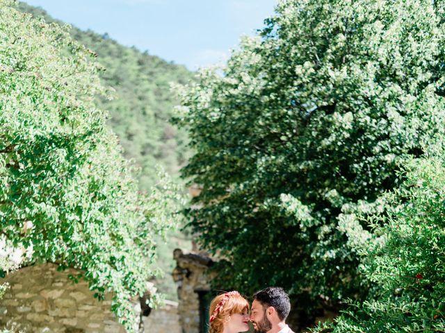 Le mariage de Antonin et Charline à Nyons, Drôme 44