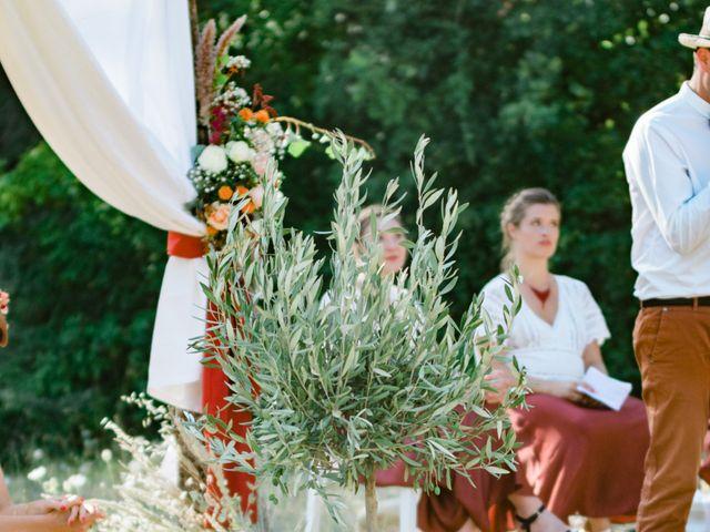 Le mariage de Antonin et Charline à Nyons, Drôme 49