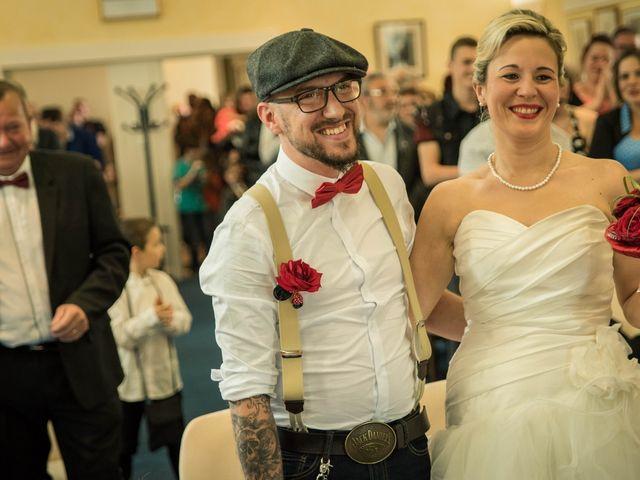 Le mariage de Maxime et Gaëlle à Chazelles-sur-Lyon, Loire 14